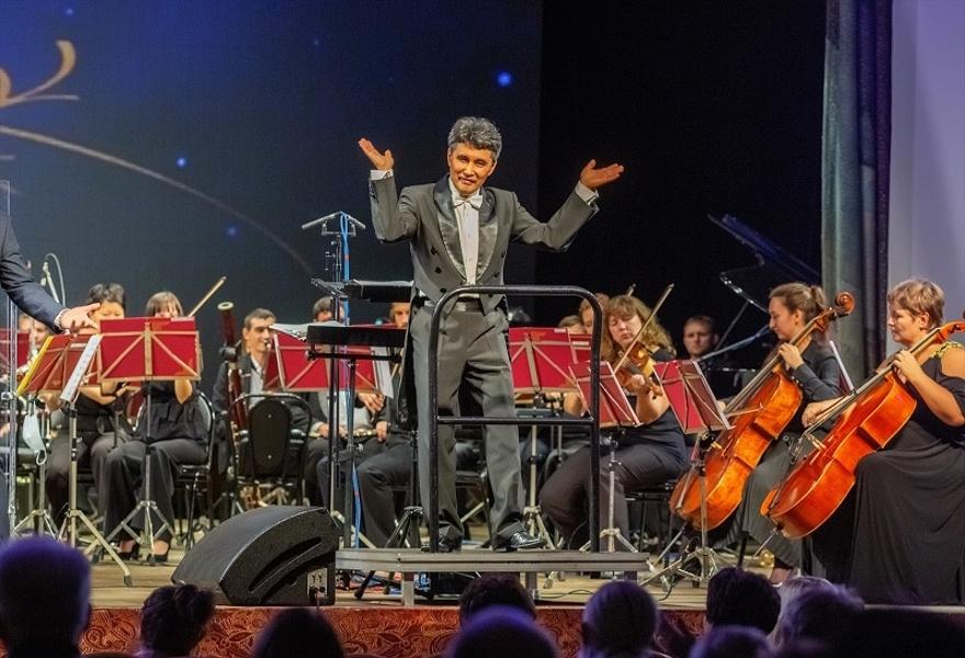 Концерт Александра Вершинина (фортепиано, Москва) и Алексея Кошванца (скрипка, Москва)