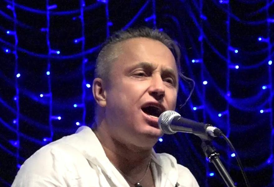 Павел Кашин (вокал) *