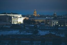 Ночная прогулка по крышам Петербурга