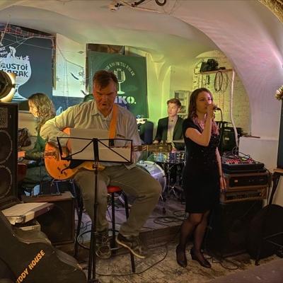 Xana Ran Band. Джаз на сцене White Night, фото